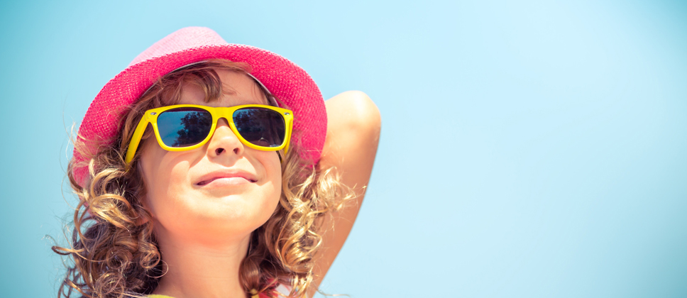 688261298f LOS NIÑOS DEBEN LLEVAR GAFAS DE SOL - Terapia Visual Valencia -  Especialistas en terapia visual y auditiva